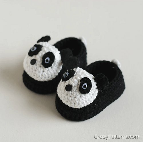 Crochet Panda Baby Booties Pattern by Croby Patterns