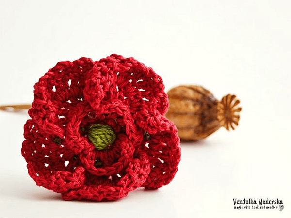 Crochet Poppy Brooch Pattern by Vendulka M