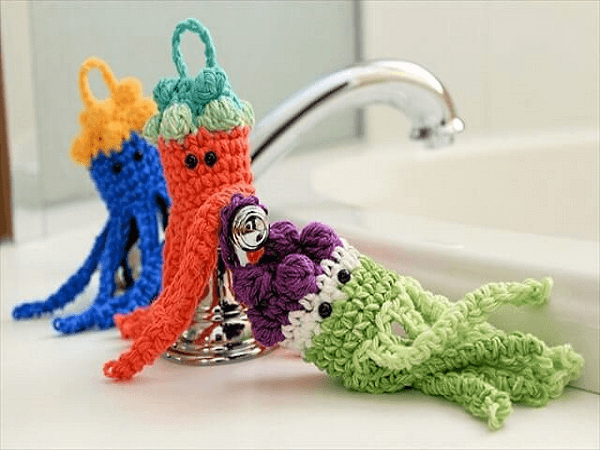 Jellyfish Bath Scrubbies Crochet Pattern by Simply Notable