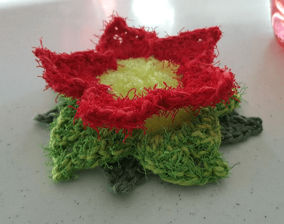 Poinsettia Crochet Scrubby Pattern by Stitches Brew