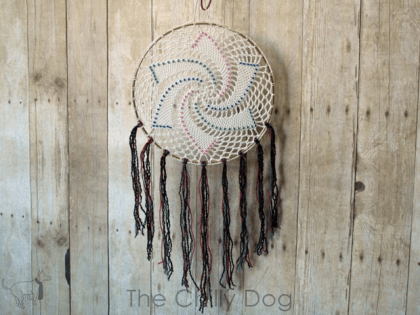 Free Star Dreamcatcher Crochet Pattern by The Chilly Dog