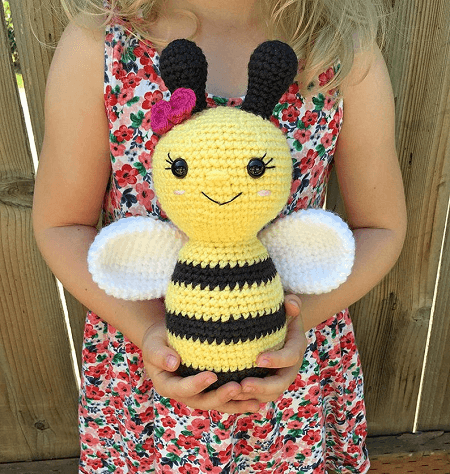 Crochet Bee Pattern by Grace And Yarn