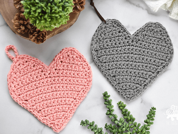 Crochet Heart Potholder Pattern by Who's Homemade