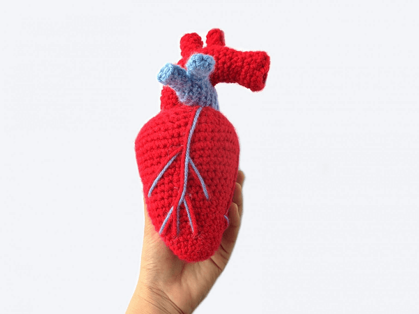 Realistic Crochet Heart Pattern by The Blue Elephants