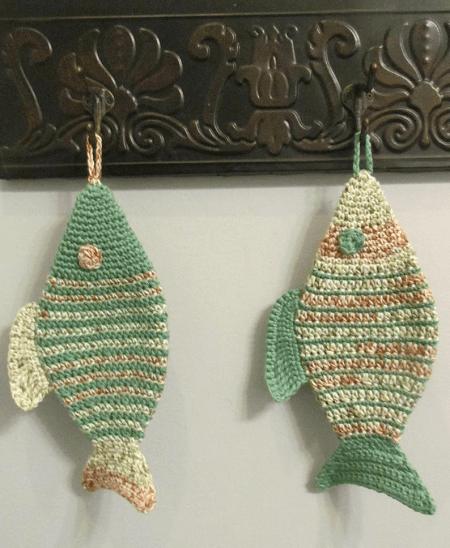 Fish Pot Holder Crochet Pattern by Suzi's Crochet Cafe