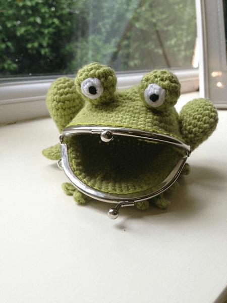 Frog Coin Purse Crochet Pattern by Lau Loves Crochet