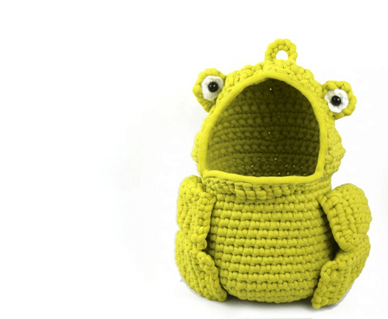 Frog Hanging Basket Crochet Pattern by Stringy Ding Ding