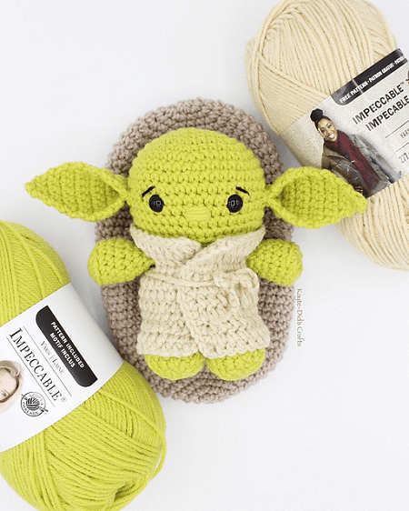 Hatching Baby Yoda Crochet Pattern by Kayte Did's Crafts