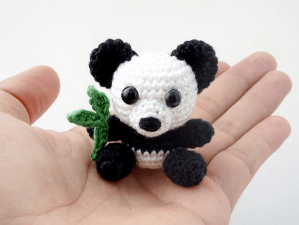 Mini Panda Crochet Pattern by Supergurumi Shop