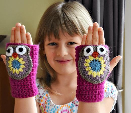 Owl Fingerless Gloves Crochet Pattern by The Green Dragonfly
