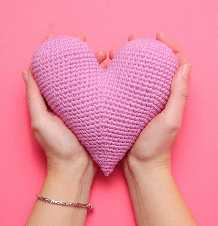 Perfect Heart Crochet Pattern by Nea Creates
