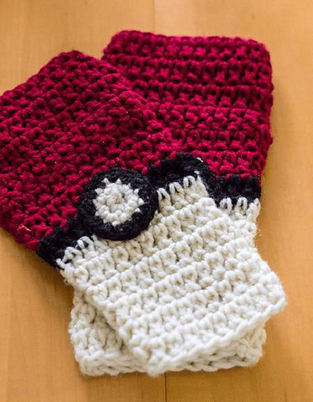 Pokeball Fingerless Gloves Crochet Pattern by Crafty Tuts