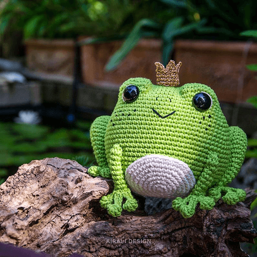 Prince Perry The Frog Amigurumi Pattern by Airali Design
