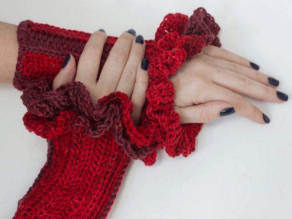 Ruffled Fingerless Gloves Crochet Pattern by Beaded Wire