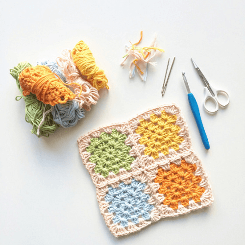 Simple Granny Square Potholder Crochet Pattern by Knit Purl Hook