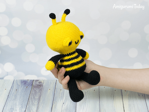 Soft And Dreamy Bee Amigurumi Pattern by Amigurumi Today