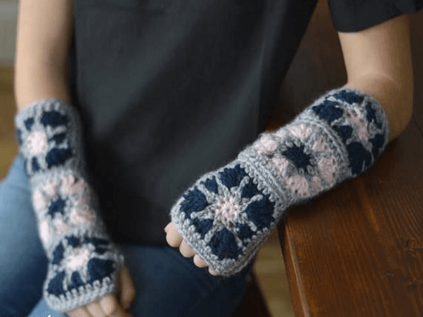 Starburst Granny Square Fingerless Gloves Crochet Pattern by Whistle And Ivy