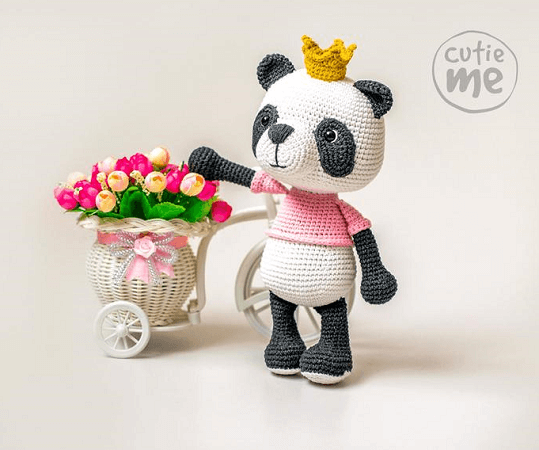 Susie, The Panda Crochet Pattern by Cutie Me Store