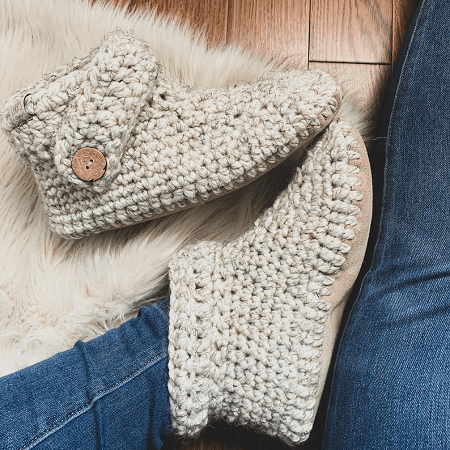 Adult Slippers Crochet Pattern by Loops And Things Wpg