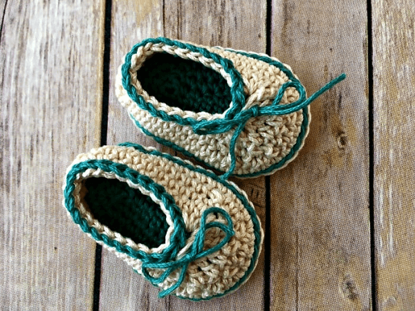 Basic Baby Booties Crochet Pattern by Love Life Yarn