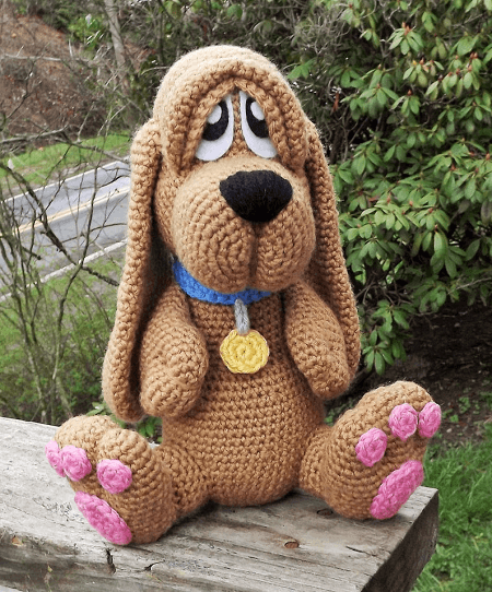 Basset Hound Puppy Amigurumi Pattern by Lisa Jestes Designs