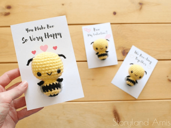 Burt, The Baby Honey Bee Crochet Pattern by Storyland Amis