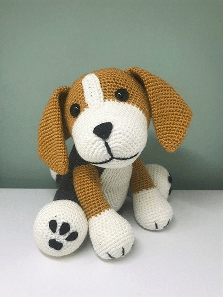 Crochet Beagle Dog Pattern by Liefen Uniek