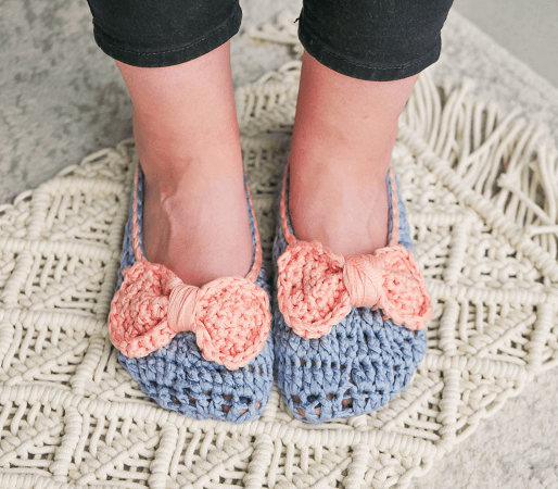 Crochet House Slippers Pattern by Sewrella