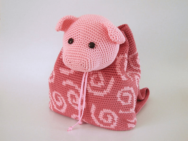 Crochet Pig Backpack Pattern by Chabe Patterns