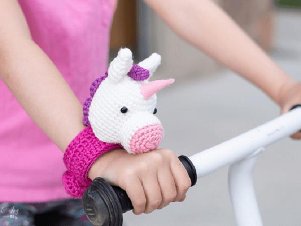 Crochet Unicorn Slap Bracelet Pattern by Whistle And Ivy