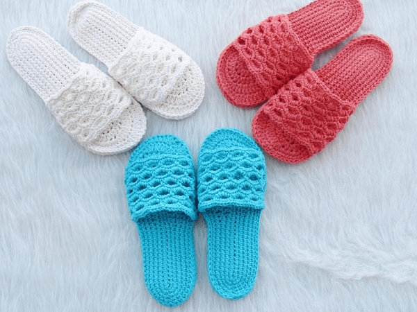 Crochet Woman's Slipper Pattern by Crochet Baby Boutique