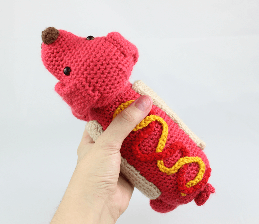 Hot Dog Free Crochet Pattern by Stringy Ding Ding