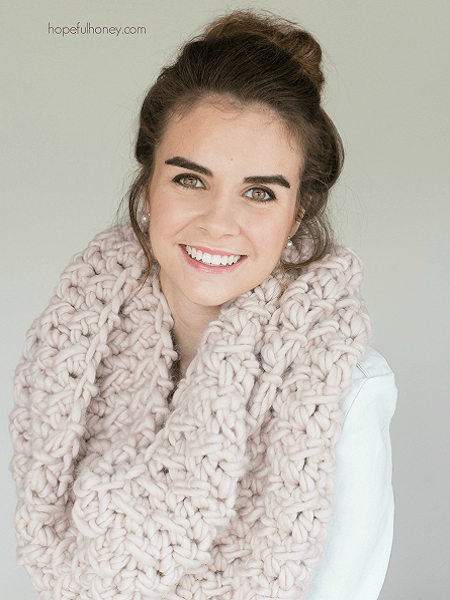 Marshmallow Infinity Scarf Crochet Pattern by Hopeful Honey