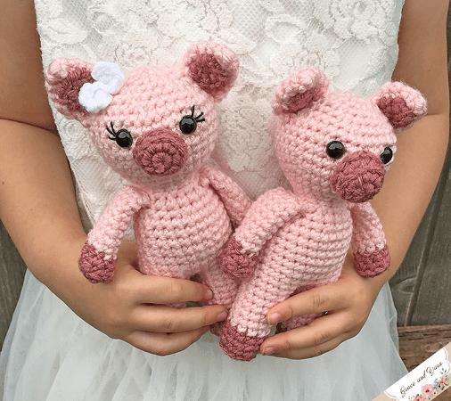 Mini Amigurumi Pig Crochet Pattern by Grace And Yarn