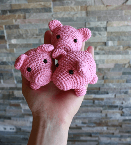 Small Pigs Amigurumi Pattern by Tiny Amigurumi
