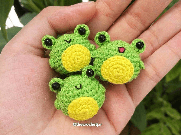Tiny Froggy Amigurumi Pattern by Amigurumi Space