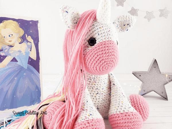 Unicorn Crochet Pattern by Sweet Oddity Art