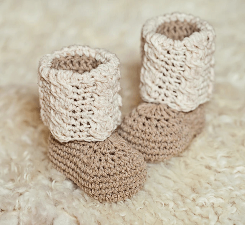 Baby Autumn Cable Boots Crochet Pattern by Mon Petit Violon