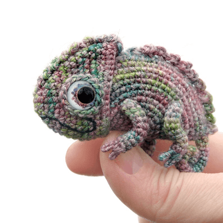 Kiwi the Chameleon amigurumi pattern - Amigurumipatterns.net | 450x450