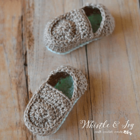Crochet Baby Loafers Pattern by Whistle And Ivy