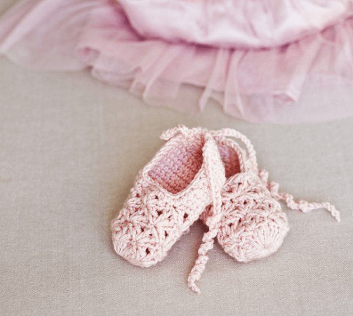 Crochet Ballerina Booties Pattern by Sweet Living Magazine