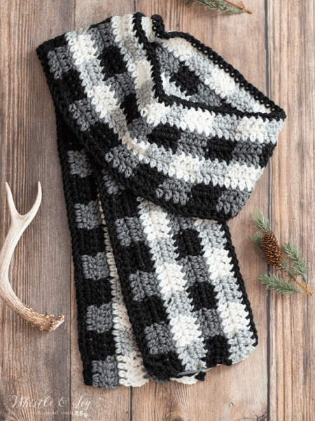 Crochet Buffalo Plaid Scarf Pattern by Whistle And Ivy