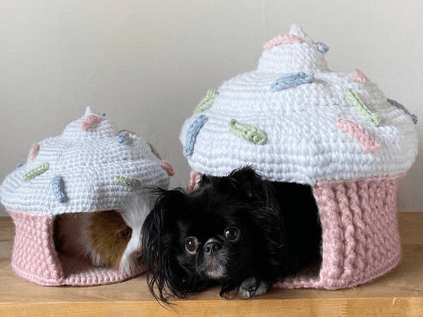 Crochet Cupcake Pet Cave Pattern by Foxalope Fiber Co