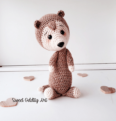 Crochet Ferret Pattern by Carolyne Brodie