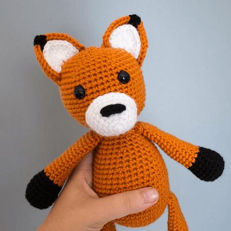 Sleepy Crochet Fox [Free Pattern Amigurumi] | 450x450