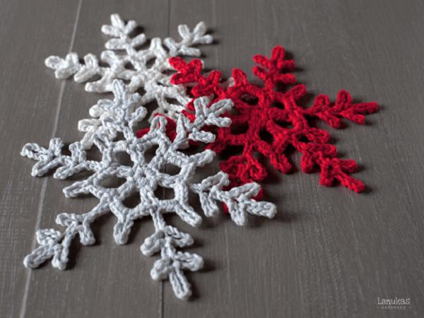 Crochet Snowflake Pattern by Lanukas
