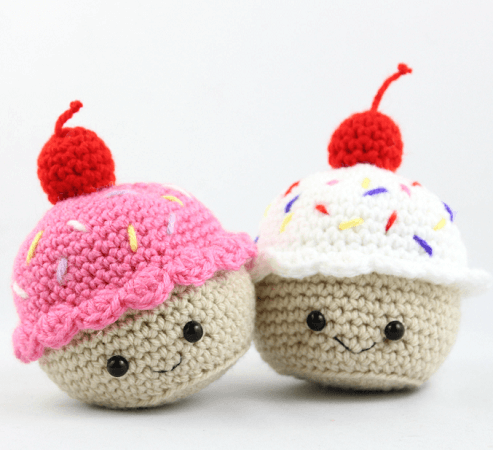 Cupcake Amigurumi Free Crochet Pattern by Stringy Ding Ding