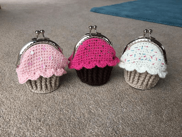 Cupcake Coin Purse Crochet Pattern by Lau Loves Crochet
