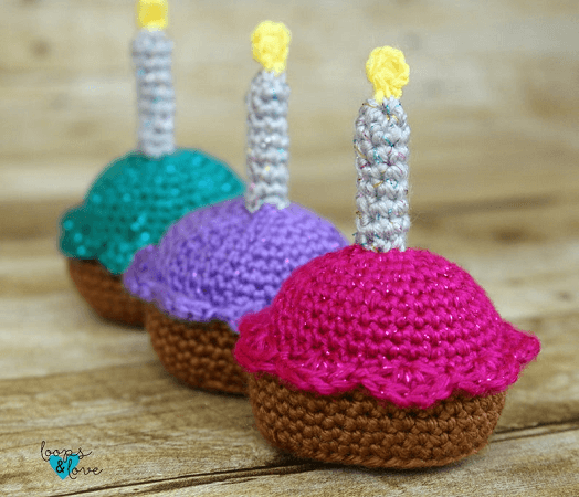 Cupcake Crochet Pattern by Loops And Love Crochet