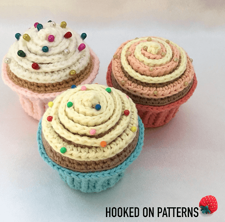 Cupcake Pin Cushion Crochet Pattern by Hooked On Patterns